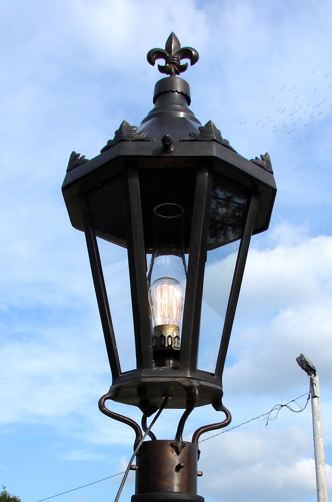 windsor antique bronze post mount new orleans gas lights. Black Bedroom Furniture Sets. Home Design Ideas
