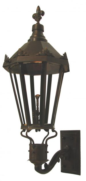Windsor - Antique Bronze (Wall Mount)